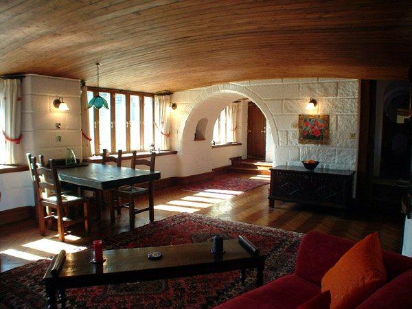 Дом из соломы интерьер