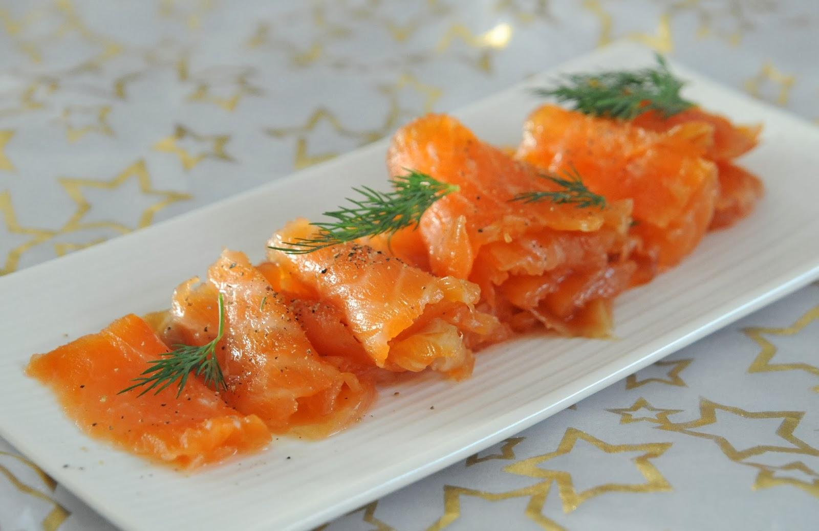 appetizer salmon gravlax tartare on crisp potato slices gravlax ...