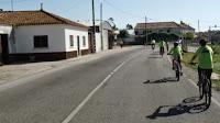 Todos de bicicleta estrada fora