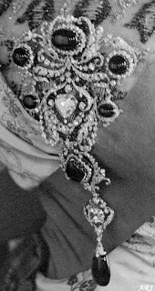The Delhi Durbar Stomacher with Cullinan V in the middle
