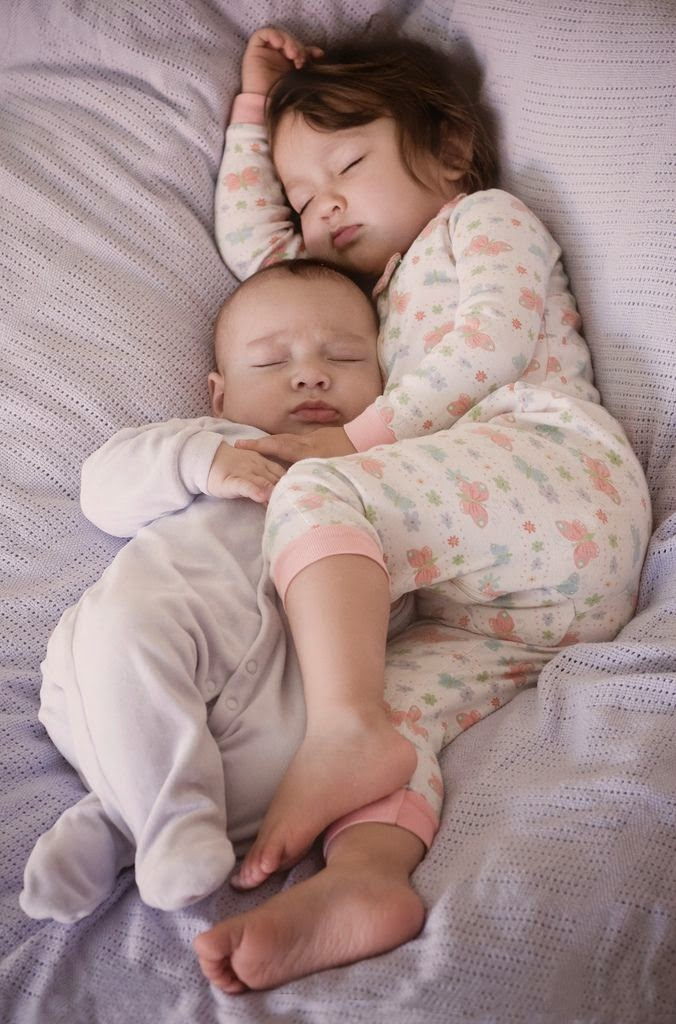 instinto maternal bebés bolenitos hermanas bolena