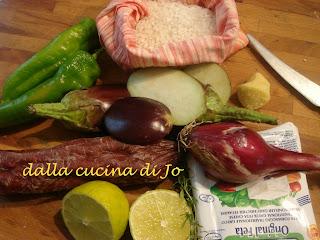 risotto con melanzane, friggitelli, feta e chorizo