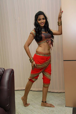 dhanshika tradational glamour  images