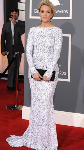 Кари Ъндърууд в рокля на Gomez-Gracia Грами 2012