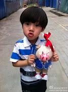 Nama sebenar Little Luhan ni ialah Ye Ziyu.Nama pon dh comel mcm muka dia. (jw dx wzrj)