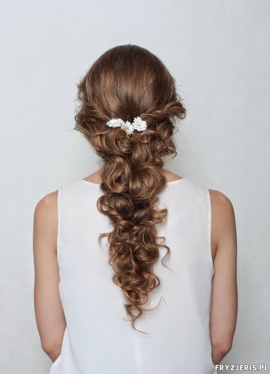 fryzura ślubna luźny warkocz