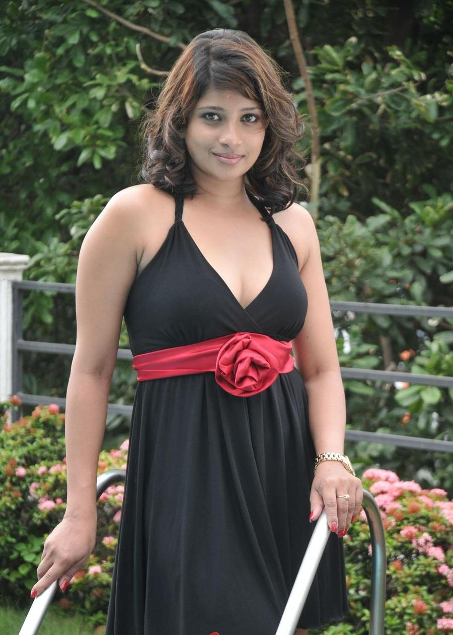 Wow sinhala pusy hot rather dick,she