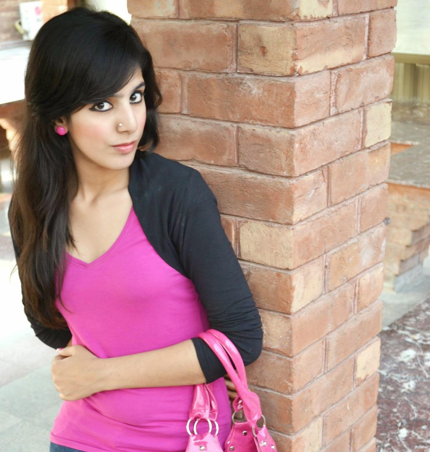 Beauty Of Pakistani Cute Girls Looking Nice Photos