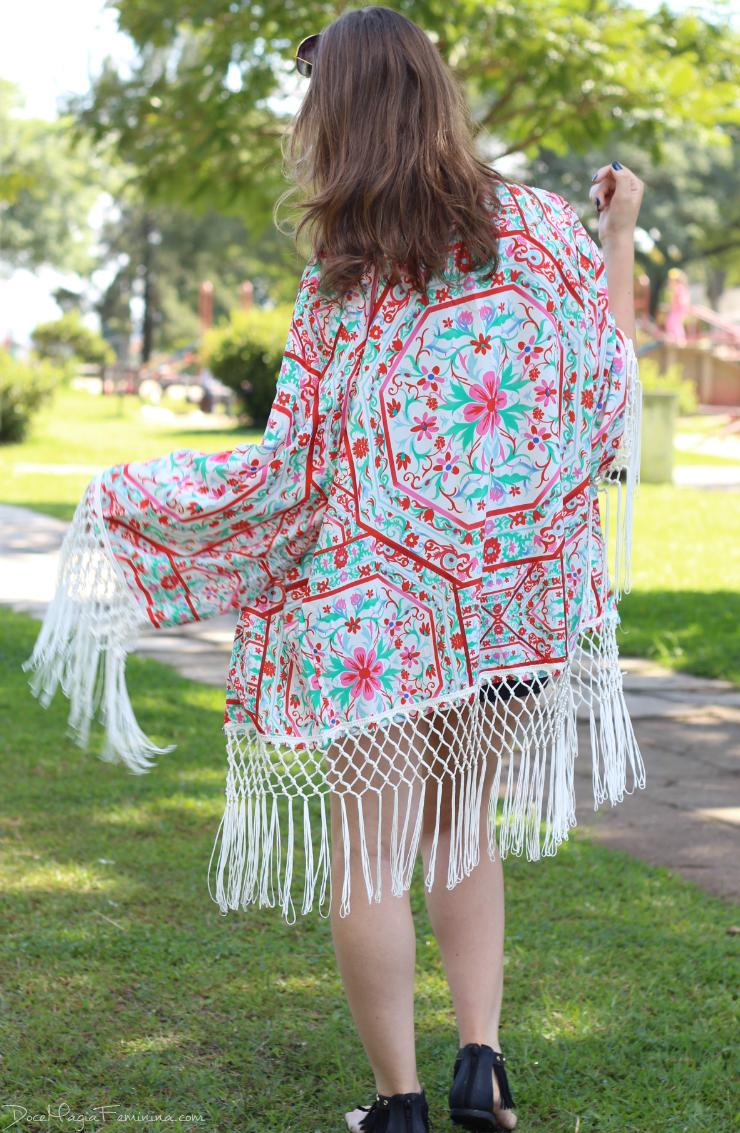 look do dia kimono de franjas