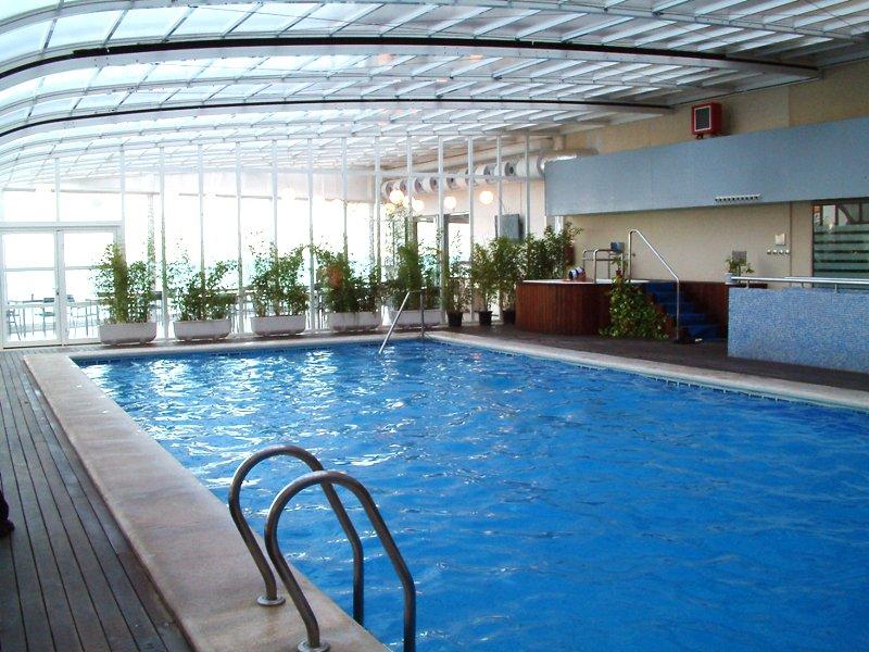 cubierta piscina hotel sercotel en alicante