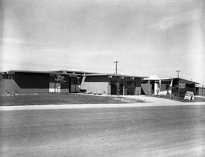 Vintage Photo: Sacramento Eichler Homes Sales Office
