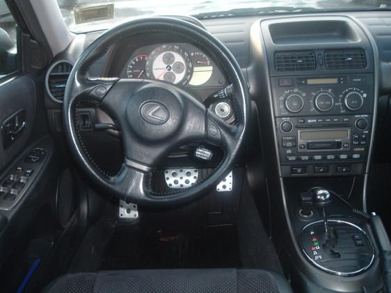 New Cars Son: Lexus is300 Interior