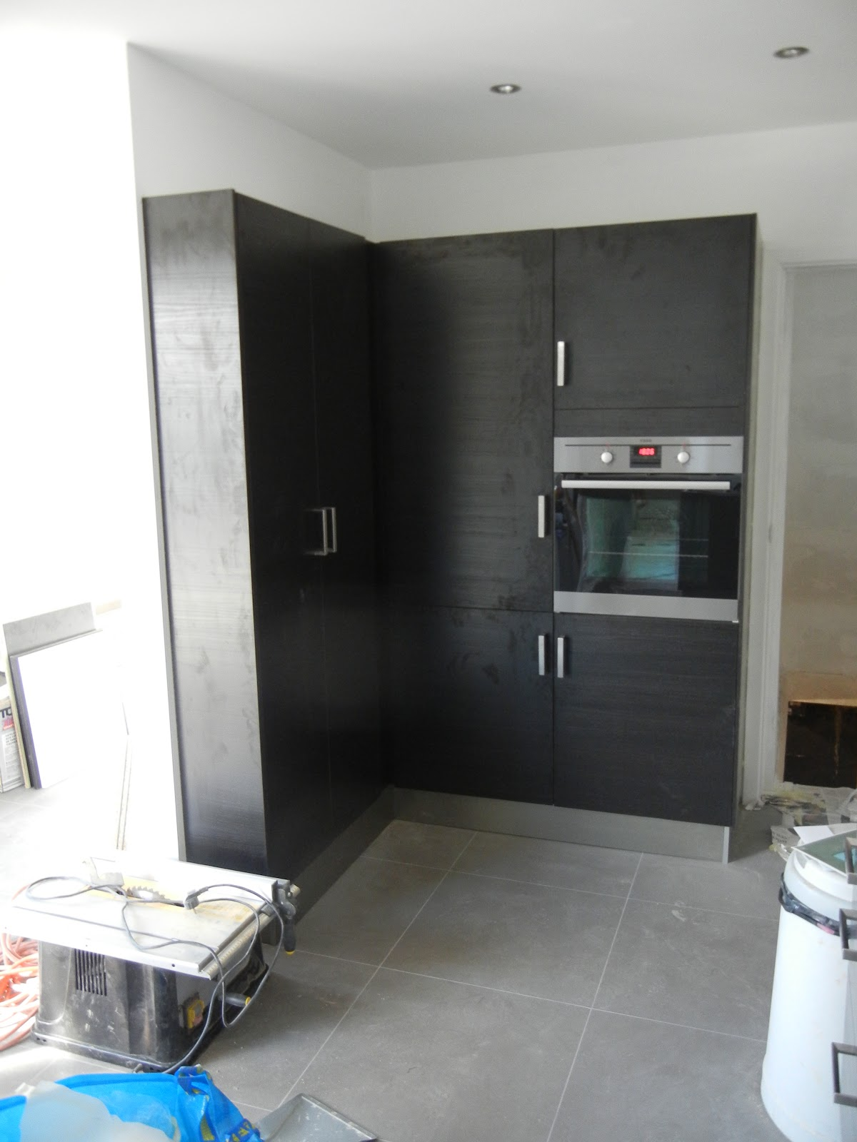 Wasbak Keuken Monteren : KLEERSNIJDERSLAAN 15: Verven en keuken monteren deel 99