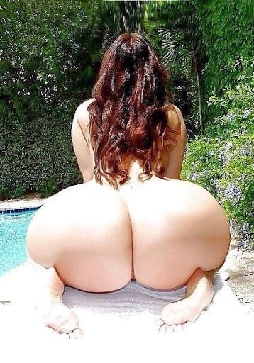 Nackt Bilder : Riesenarsch herrlich groß und rund   nackter arsch.com