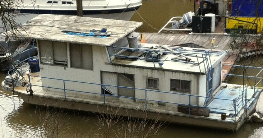 Shanty Boat: A Madcap Boat Scavenging Journey