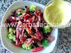 Salata de broccoli cu bacon preparare dressing reteta