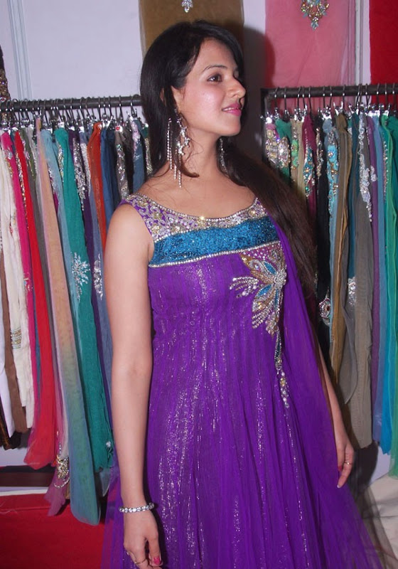 Saloni Latest Hot Stills From Desire Exhibition Saloni New Hot Photos gallery pictures
