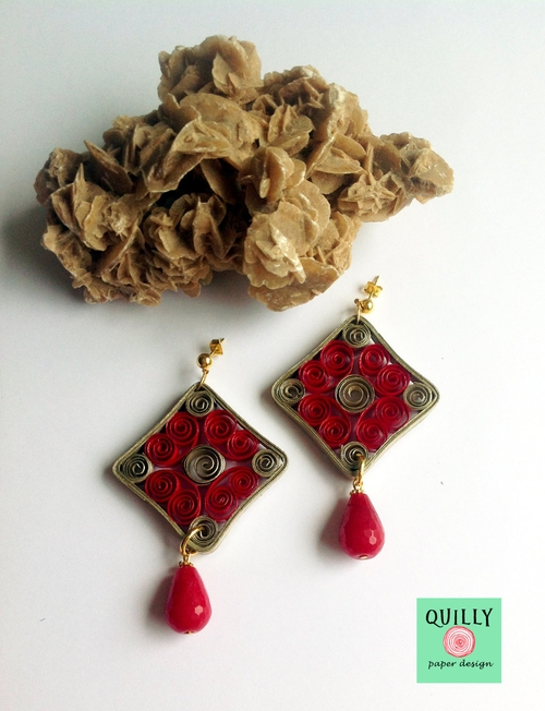09-Quilly-Paper-Design-Quilling-Designs-for-Recycled-Paper-Jewelry-www-designstack-co