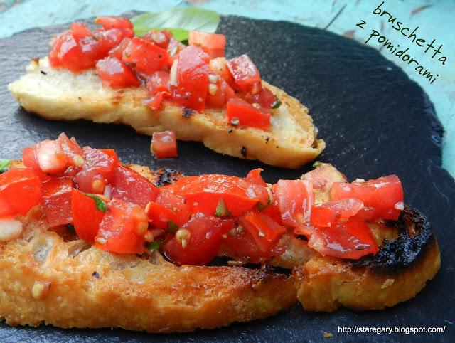 Włoska grzanka czyli bruschetta z pomidorami