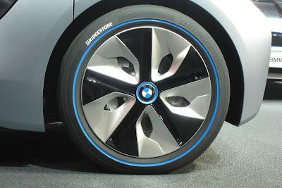 11 bmw i3 i8 live 1 BMW i3 & i8, Konsep Mobil Listrik Masa Depan