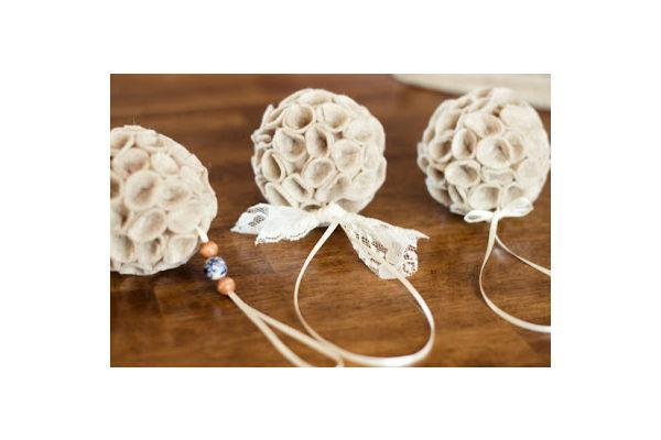 Haz un adorno para rbol de navidad con cintas de raso - Cintas arbol navidad ...