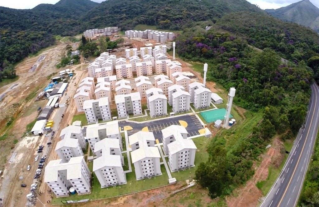 Segue a construção dos sete condomínios, com cerca de 1.600 moradias, na Fazenda Ermitage crédito:Paulo Vicente