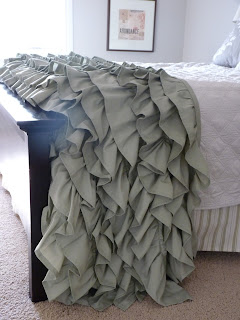 http://do-it-yourselfdesign.blogspot.nl/2011/11/diy-ruffled-throw.html
