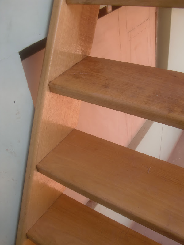 Construir una escalera de madera taringa for Como hacer una zapatera de madera sencilla