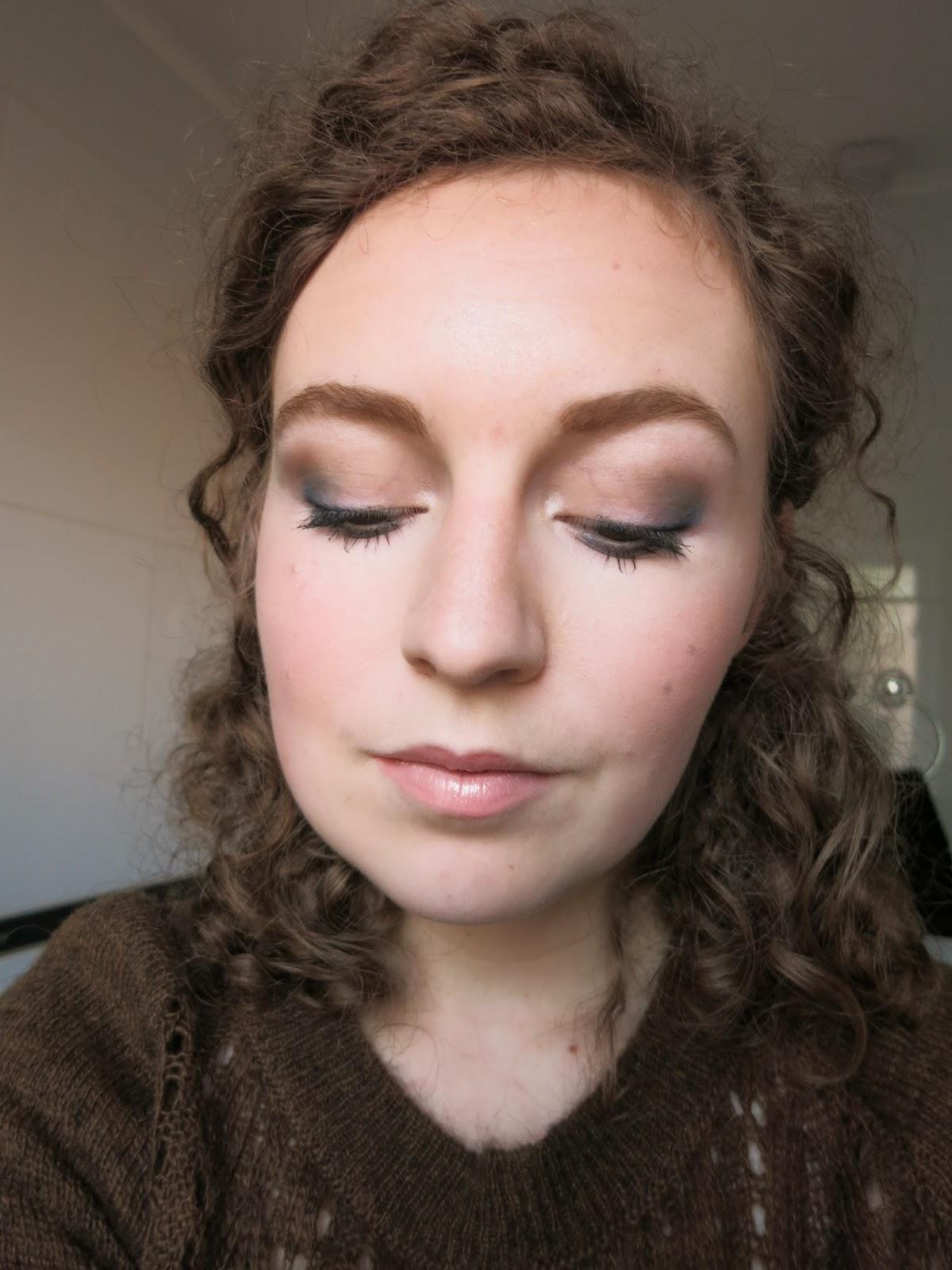 autumn winter blue eye makeup