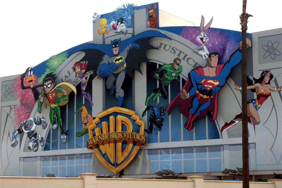 Bat blog batman toys and collectibles warner bros for Cartoon mural painting