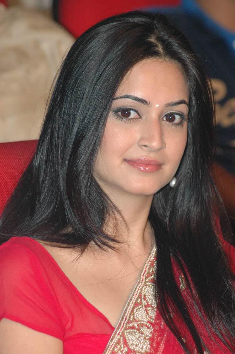 Kriti Kharbanda Latest Spicy Stills Red Saree