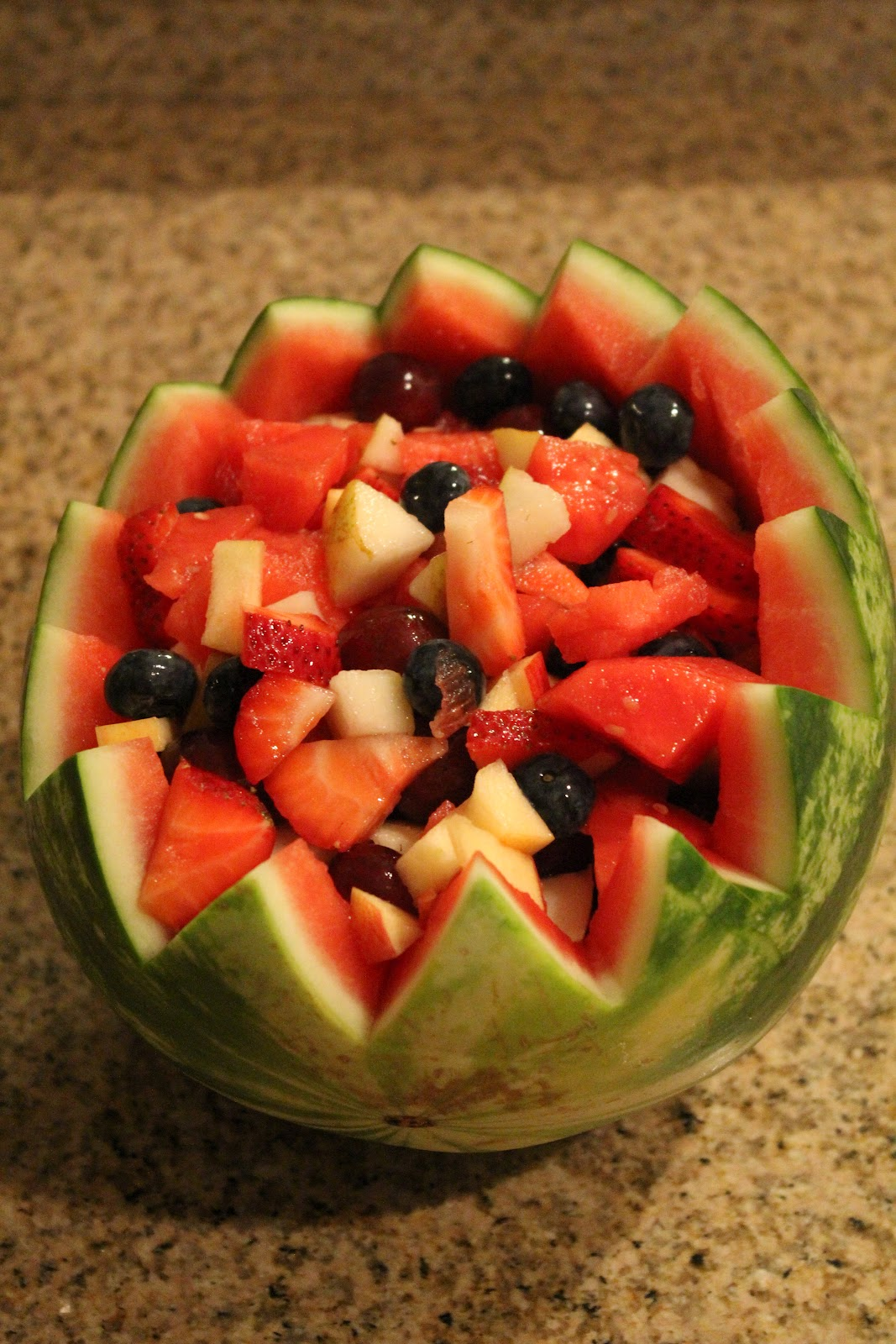 how to cut a watermelon for a fruit salad