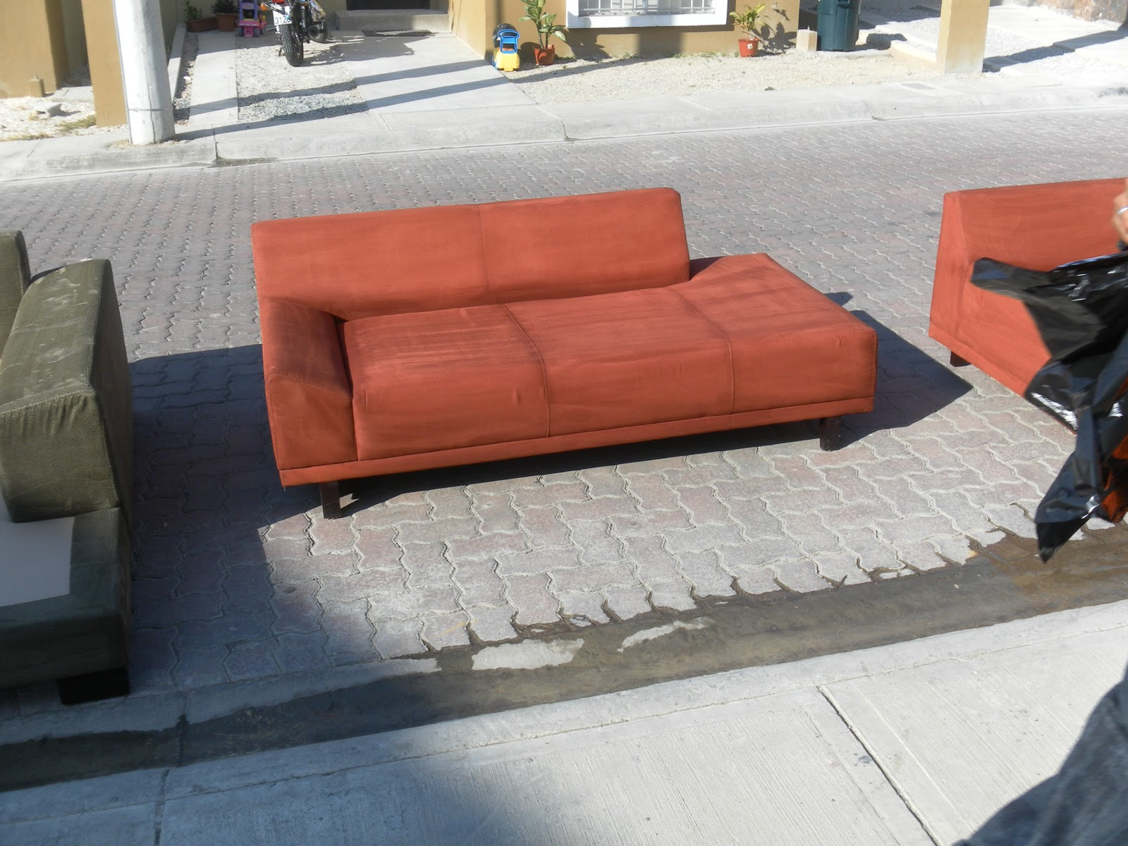 Limpieza de muebles colchones alfombras sillas en etc for Limpieza de muebles