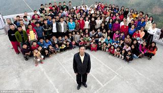 39 isteri..94 anak...33 cucu