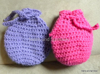 Swirls and Sprinkles: Free crochet Easter egg treat bag pattern