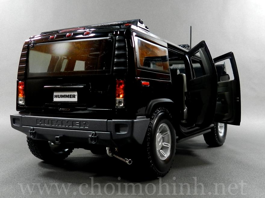 Hummer H2 SUV 1:18 Maisto black back
