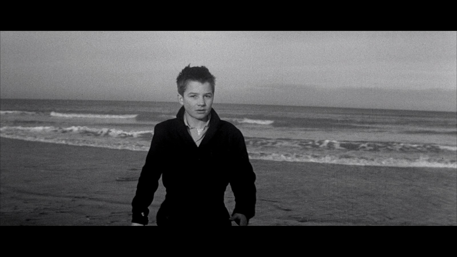 400 blows While not the first example of the french new wave, the 400 blows really is the film that gave the movement its legitimacy it brought director francois truffaut a best director prize at the cannes film festival and received international acclaim that shone a light on france's new group of critics turned directors (from the cahiers du.