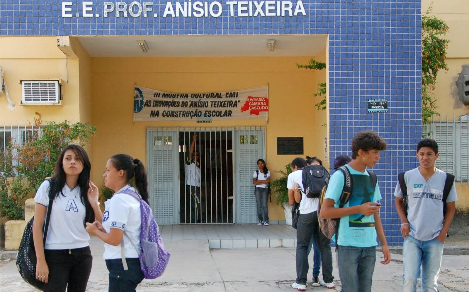 Escola Estadual Professor Anísio Teixeira