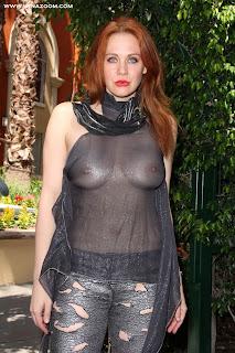 المثيرة ميتلاند وارد تستعرض جمالها في ملابس شفافة! في سان دييجو