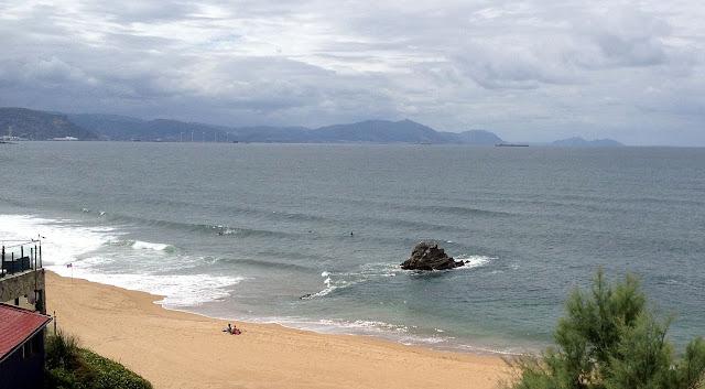 surf en sopelana bizkaia