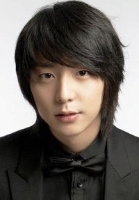 Biodata Hyun Woo Pemeran Joo Gang Min