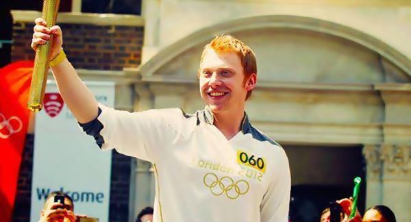 Rupert Grint carrega a Tocha Olímpica | Ordem da Fênix Brasileira