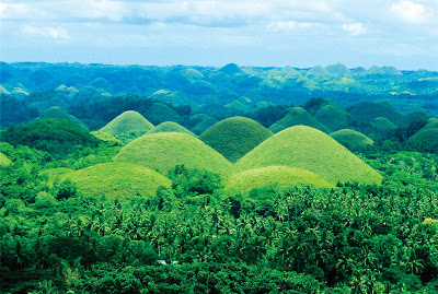 Chocolate Hills at daytime