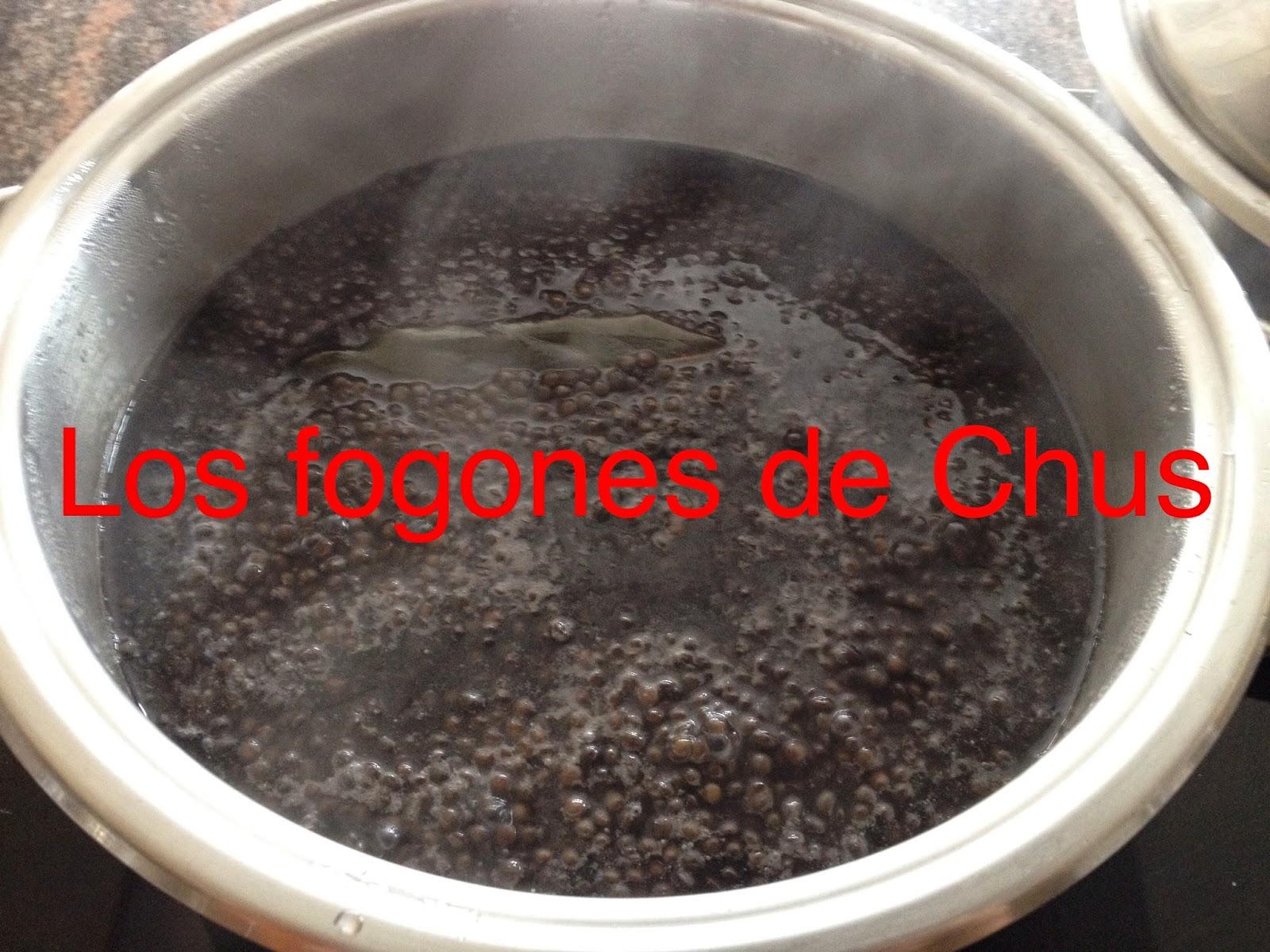 Los fogones de chus lentejas caviar - Limpiar calamares pequenos ...