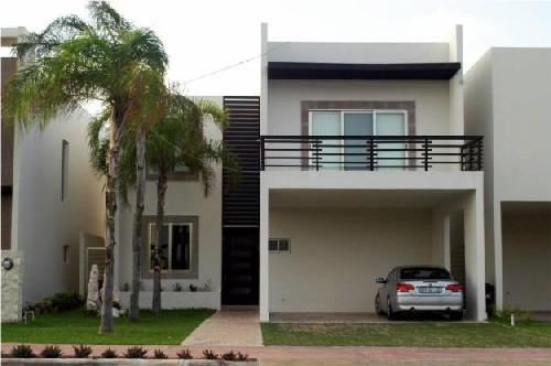 Fachadas de casas modernas fachada de casa moderna con for Casa con jardin al frente