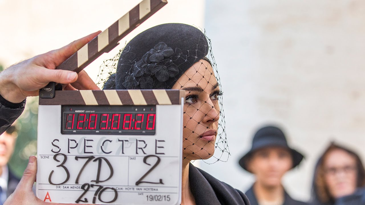 Monica Bellucci joue Lucia Sciarra dans ce 24e épisode de la saga.