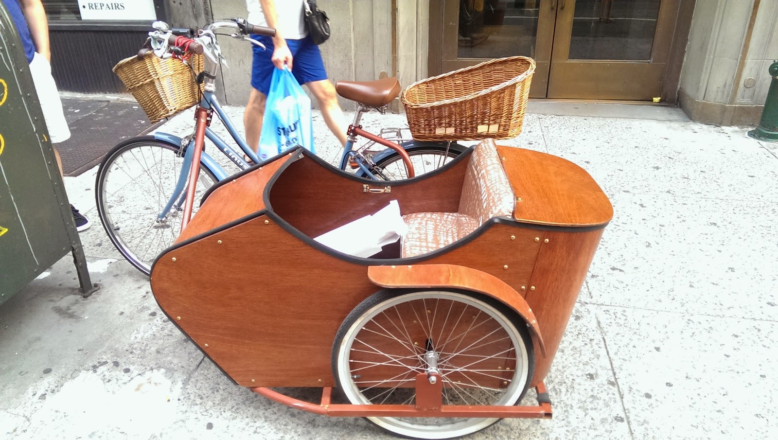 Linus Dutchi with Sidecar and Basket NYC Side View