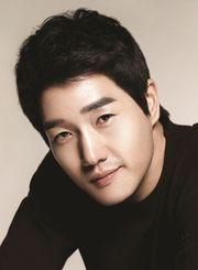 Biodata Yoo Ji Tae Pemeran Kim Moon Ho