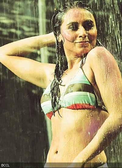 Rani Mukharji In Bikini