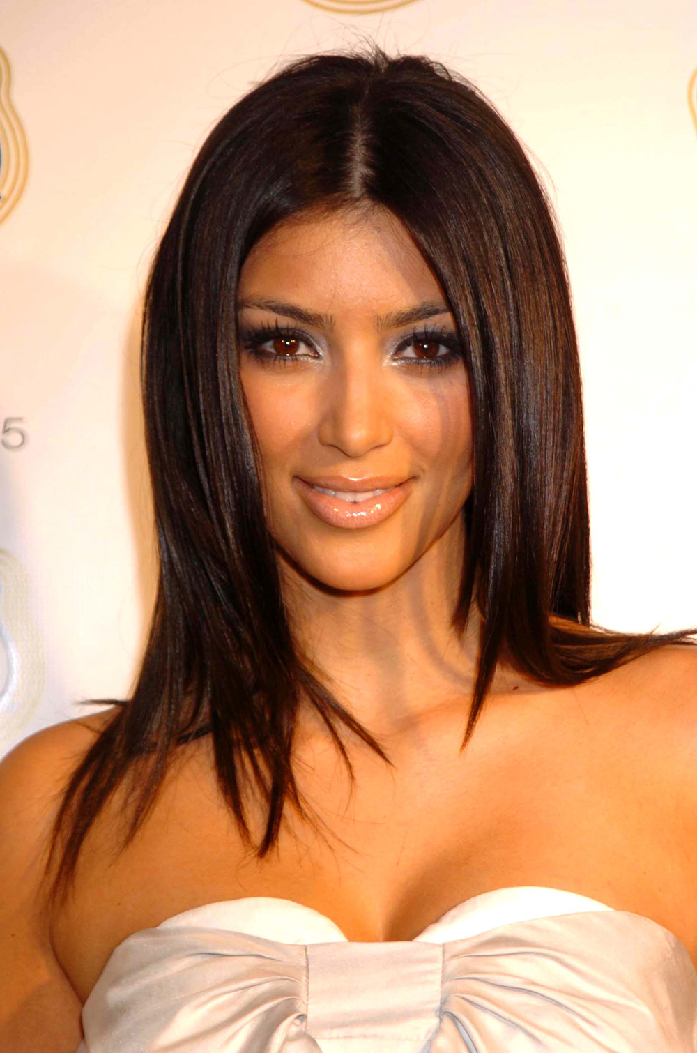 Kim Kardashian Straight Hair 08